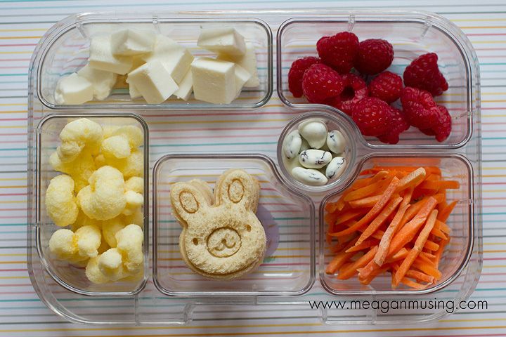 Simple Bento Lunches // #Yumbox Bunnies