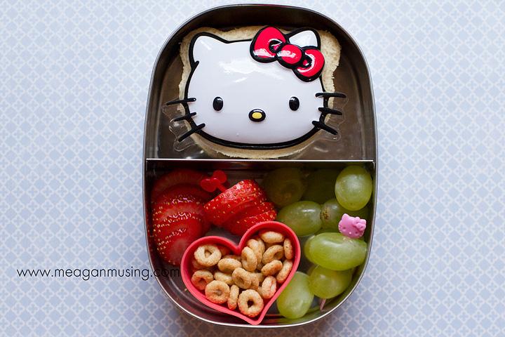 Simple Bentos // Hello Kitty Sandwich